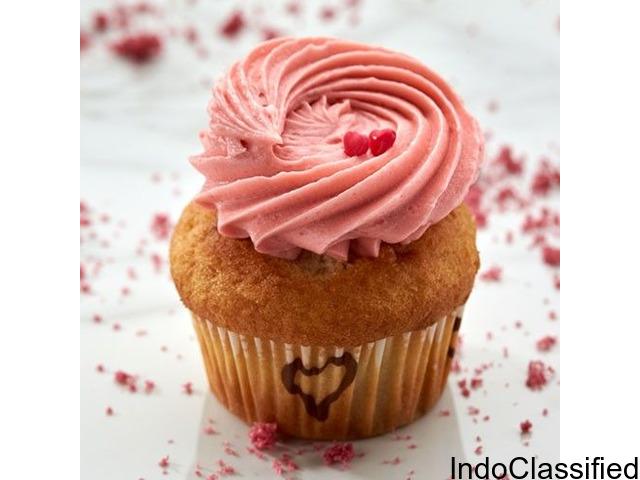 Strawberry Surprise Cupcake Online   Muffins in Bangalore   Smoor Chocolates