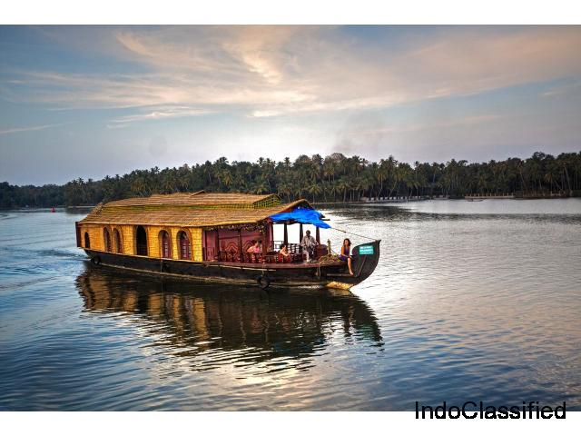 Kerala Tour Packages Guide - Family & Group tour Packages to Kerala from ₹4995 per person
