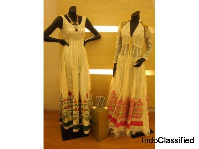 Black Friday Sale: Upto 70% Off on Designer Dresses
