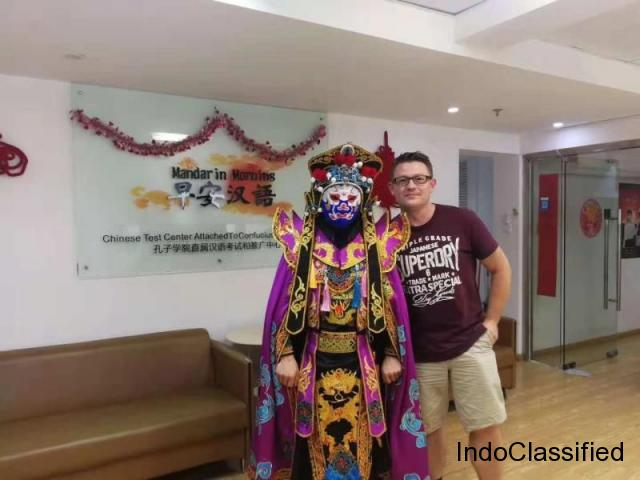 foreigners study mandarin with us