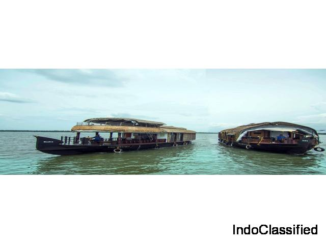 Houseboats In Kumarakom