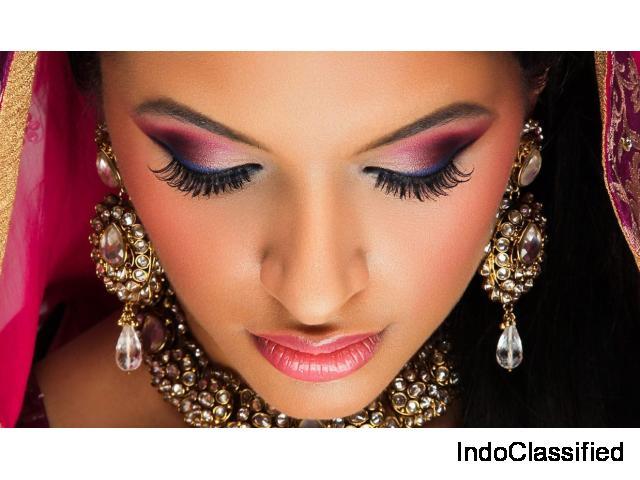 Looking for the Best Makeup Artist in Delhi?