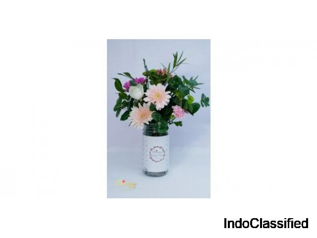 Online Mixed White Rose Flower Bouquet with White Roses | Send Flowers in Pune