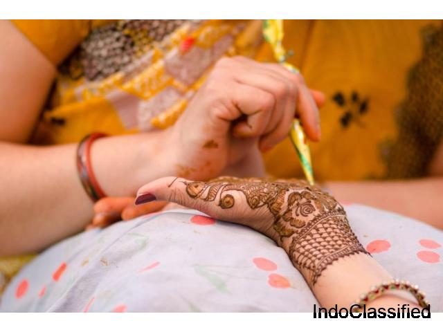 Get the Best Henna Services at Home in Dubai, UAE